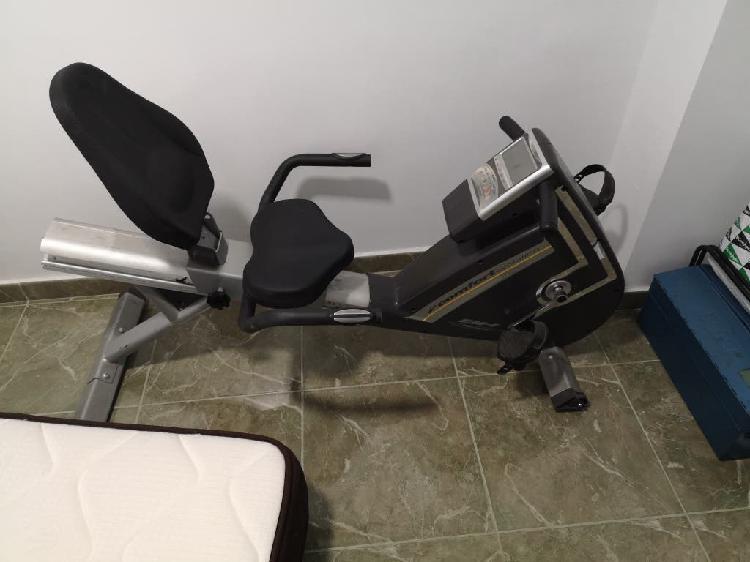 Bicicleta estática bh fitness comfort evolution