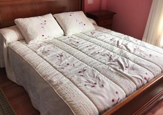 Conjunto cama y mesillas