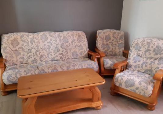 Juego de sillones y mesa