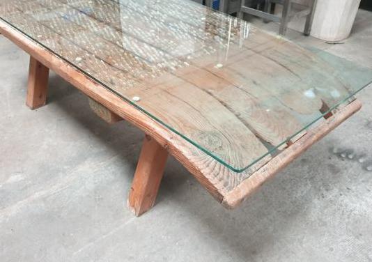 Mesa rustica, trillo de madera, con cristal