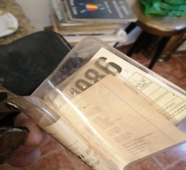 Retrovisor con tarjeta de transporte 1986