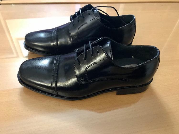 Zapatos nuevos n. 40