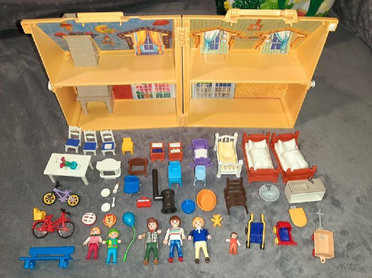 Casa muñecos maletín playmobil