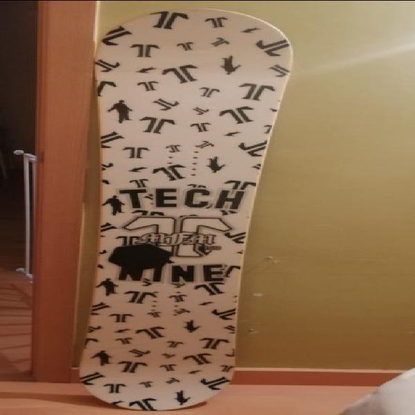 Tabla snow tech nine. botas burton tribute
