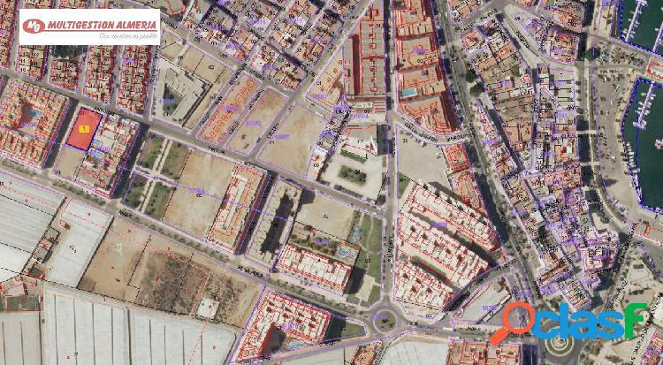 Solar urbano en roquetas de mar zona puerto - 1009.84 m2 - parcela 7