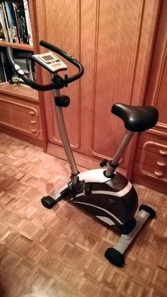 Bicicleta estática magnética con pantalla digital