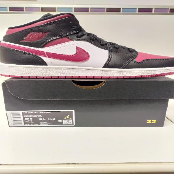 Nike air jordan 1 mid bred toe gs