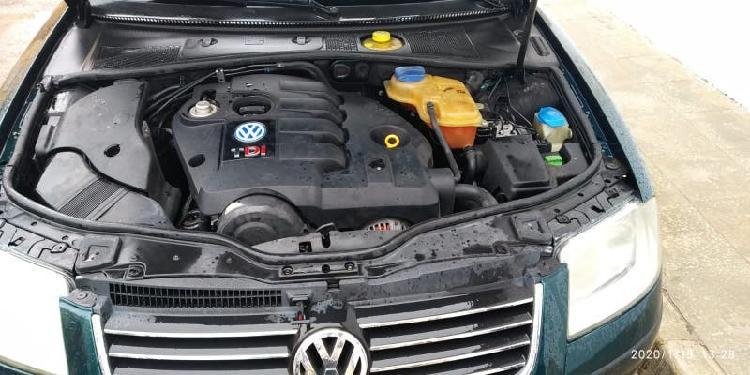 Volkswagen passat 2001 130 cv el número de contacto