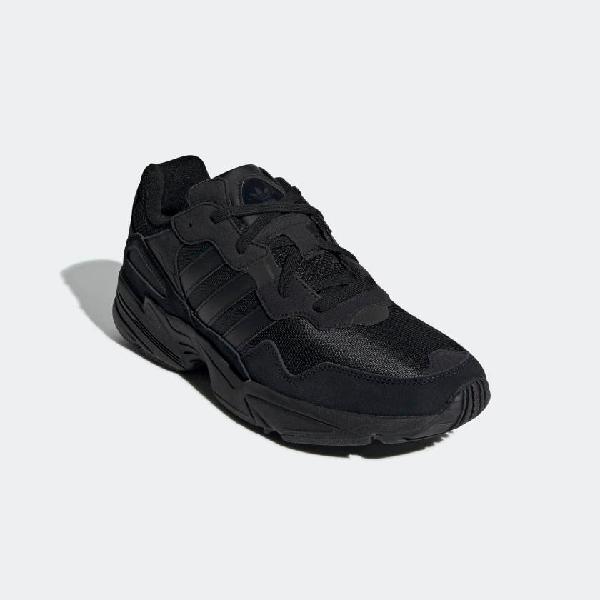 Zapatillas adidas yung-96 negras . nuevas talla42