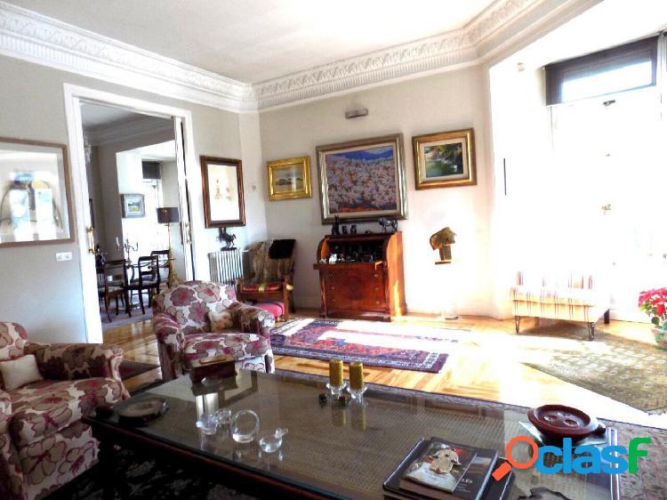 Exclusivo piso de 5 habitaciones en venta zona el retiro