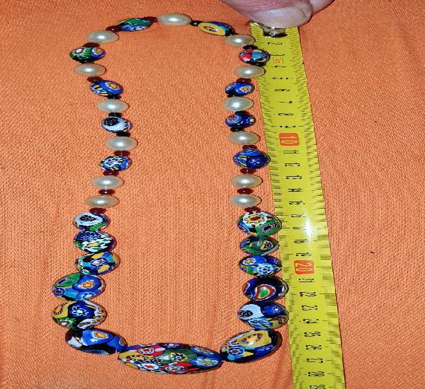 Bonito collar de bolas de cerámica. mide 28 cm. aprox