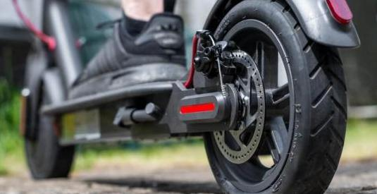 Reparacion pinchazos patinetes eléctricos