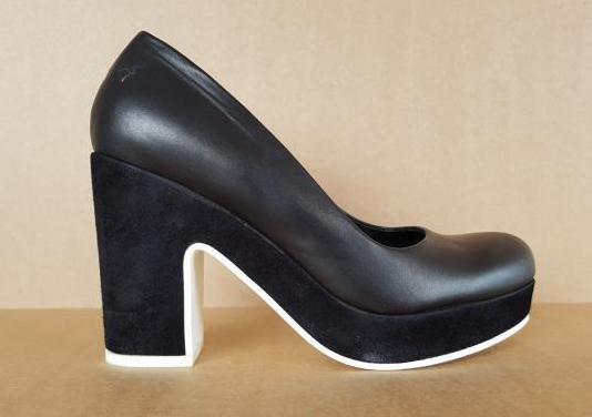 Zapatos de salón. cos. sin estrenar. t38