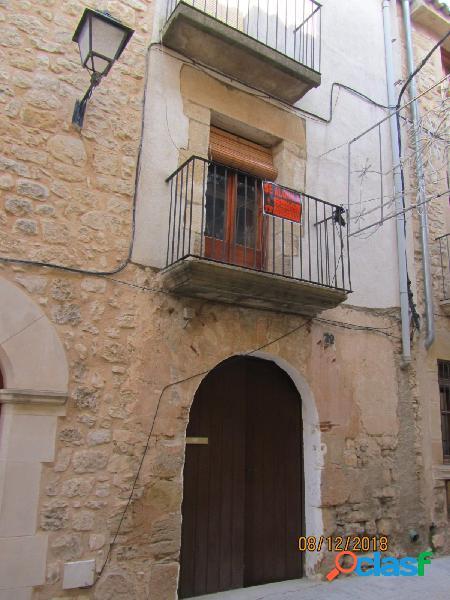 Oportunidad casa de pueblo centrica en villalba dels arcs.