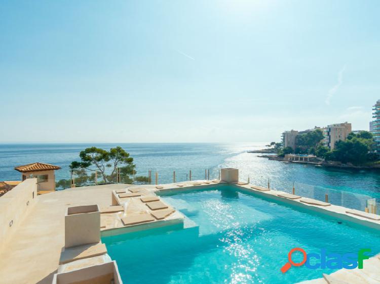 Villa de lujo en primera línea con acceso directo al mar