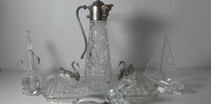 Bandeja de cristal con dos cisnes de cristal y metal, jarra