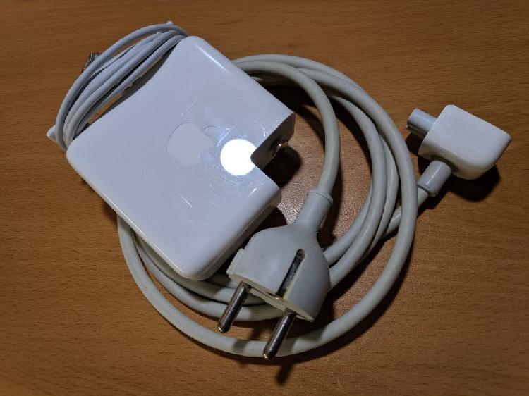 Cargador macbook pro