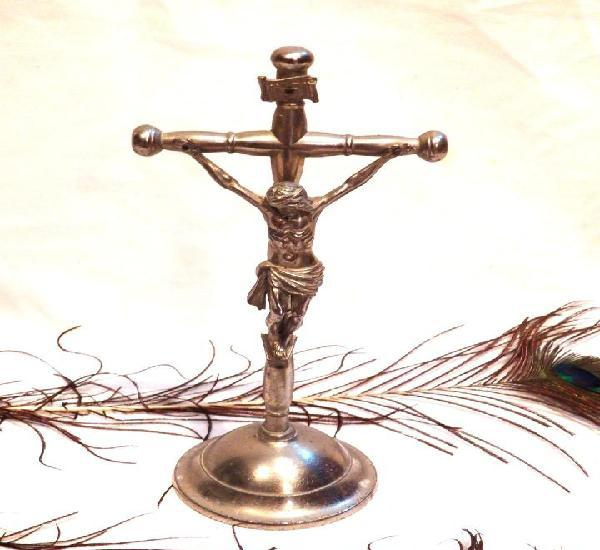 Cruz altar, cruz metal baño plata, crucifijo art nouveau,