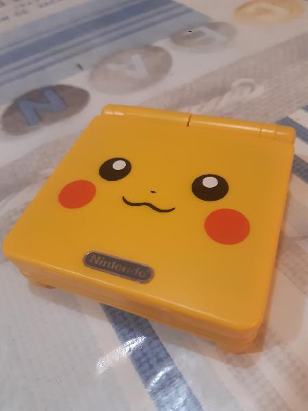 Game boy advance sp edición pikachu nueva
