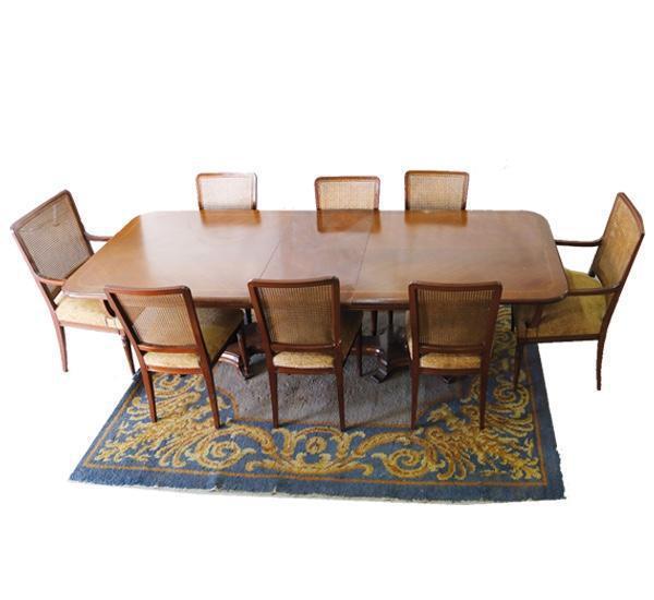 Mesa comedor 6 sillas y dos sillones de rejillas.