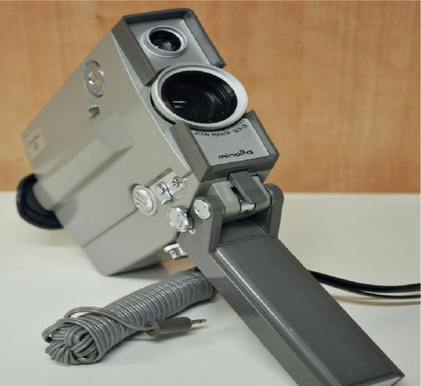 Minoltina 8 - cámara de cine de doble 8 mm fabricada por
