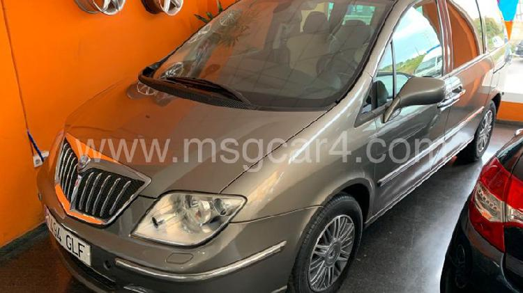 Peugeot 807 2.2hdi fap premium aut.
