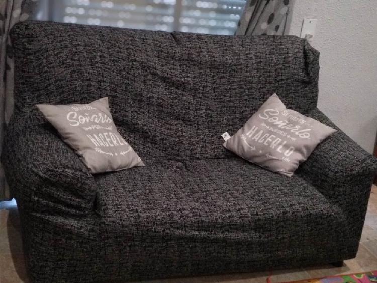 Regalo dos sofás. de 3 i 2 plazas.