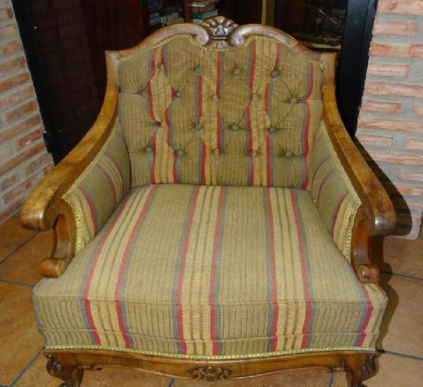 Sofá antiguo descalzador de madera de nogal