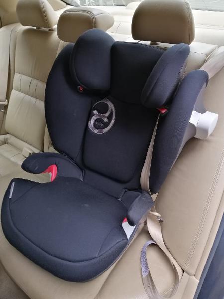 Sillita infantil coche