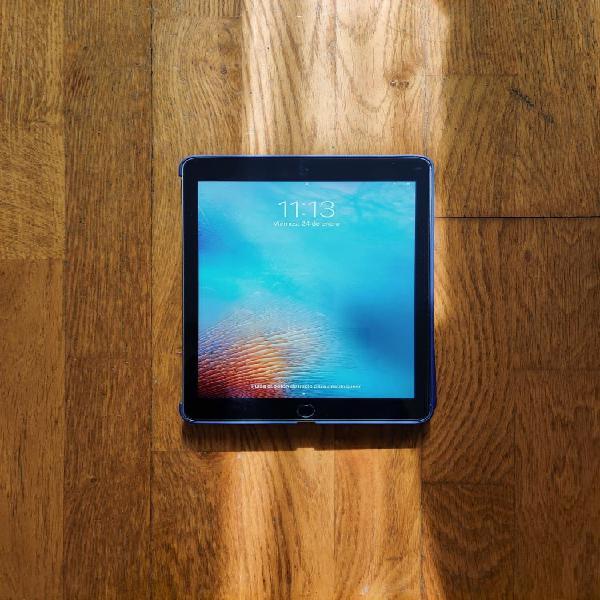 iPad 5th generación IMPECABLE + funda