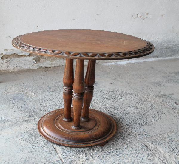 Mesa auxiliar en madera de nogal