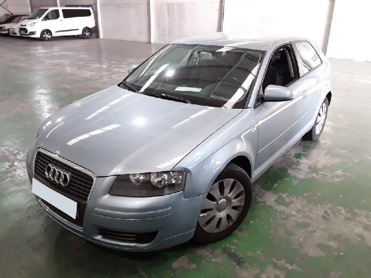 Audi a3 1.6 fsi attraction 115cv