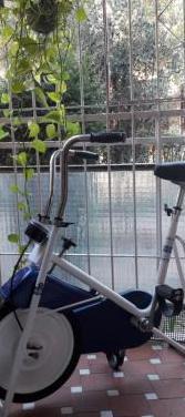 Bicicleta estática alemana