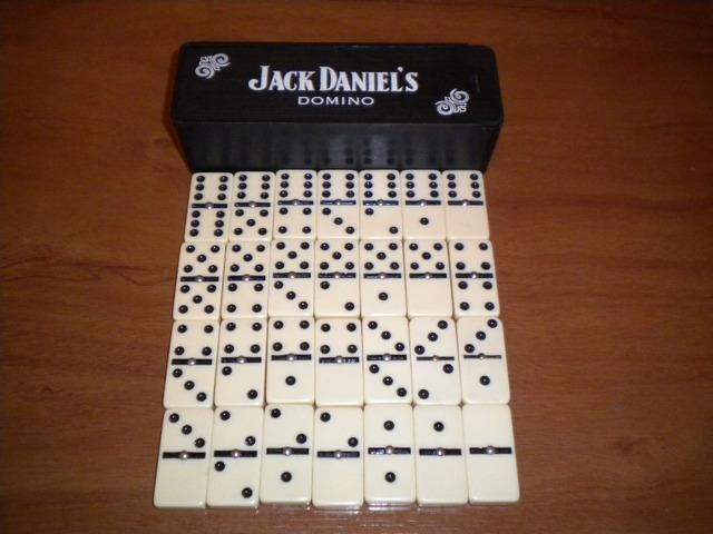 Domino jack daniel's