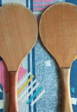 Dos palas de madera de haya y pelota