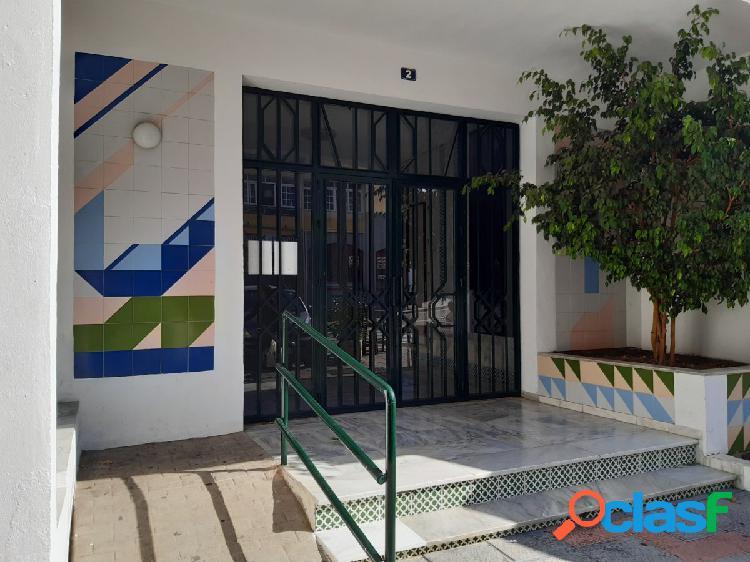Oportunidad - piso centrico en las lagunas - 2 dormitorios un baño y parking.