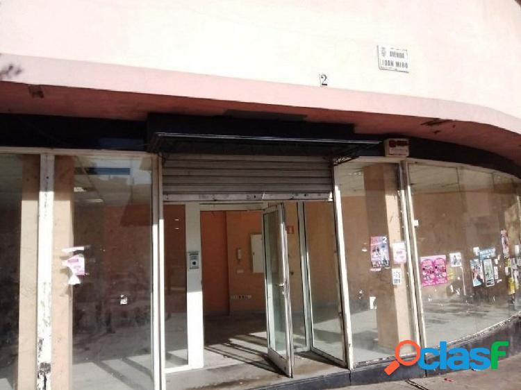 De banco - amplio local comercial en el romeral (torremolinos), con una superficie de 235 m2