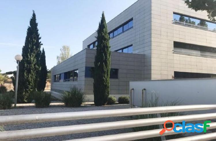 Procedente de banco - oficina en las rozas, madrid, junto a la a-6. superficie de 143 m2.