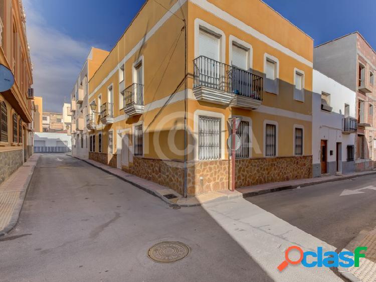 Ático de 2 dormitorios, 1 baño con 55 m² de terraza en vera.