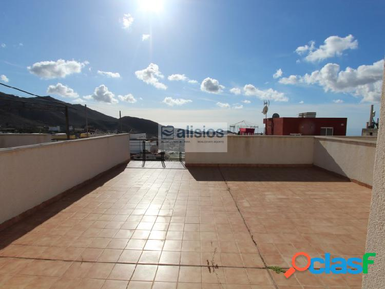 Atico de 2 habitaciones con terraza privada