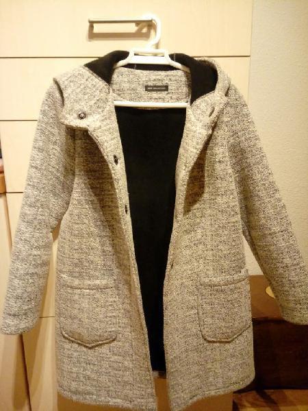 Abrigo gris calentito. talla 40.