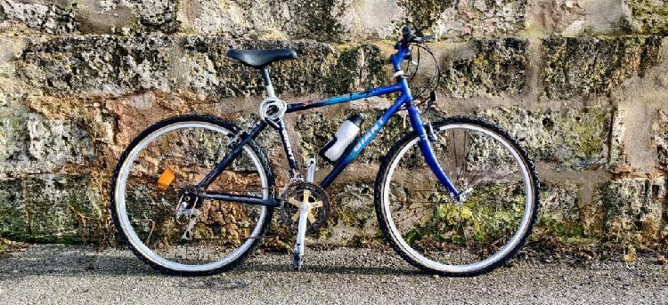 Bicicleta mountain bike giant stonebreaker