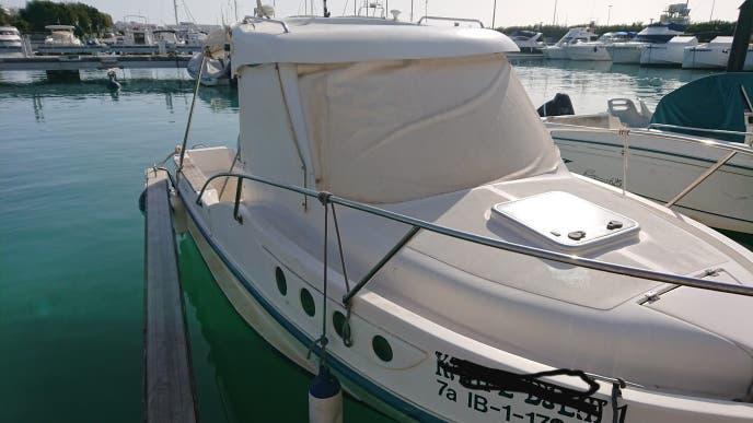 Oportunidad! barco y amarre en propiedad en ibiza