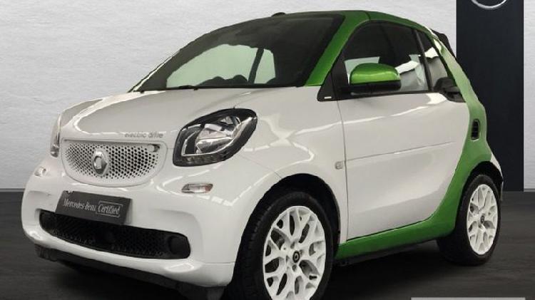 Smart fortwo cabrio electric drive cabrio passion