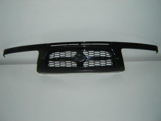 Suzuki grand vitara 99 rejilla