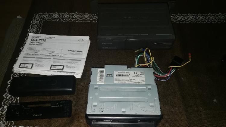 Radio coche + cargador de cd