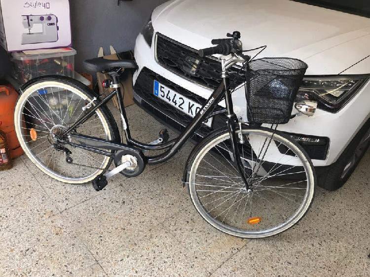 Bicicleta semi nueva de paseo con cambios traseros