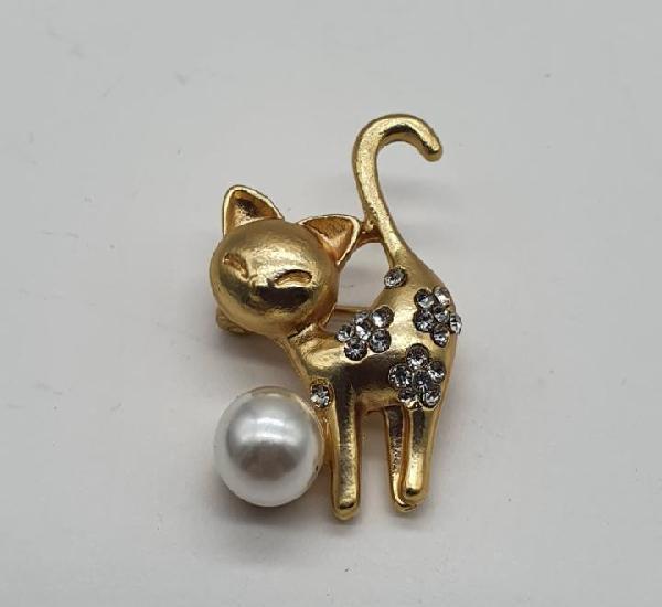 Broche de gatito con acabados en oro mate circonitas talla