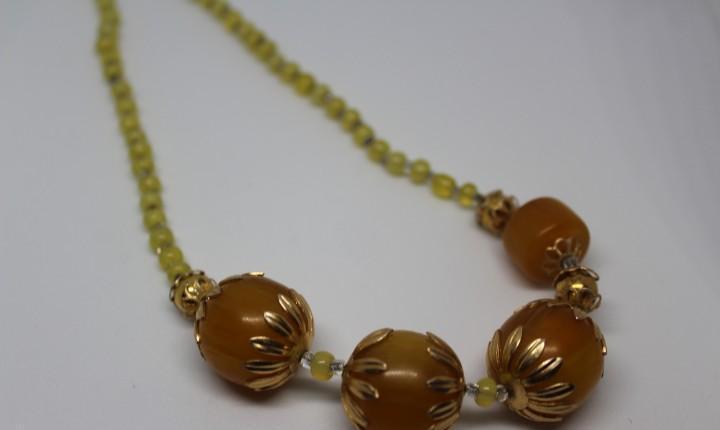 Collar etnico vintage color caramelo simil ambar muy vintage