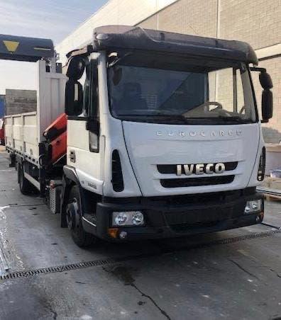 Camion iveco con grua pk7001 2010